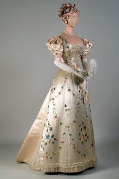 Evening dress ca. 18