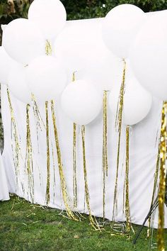all white party Graduation party ideas for the best party on the block. These grad party tips are perfect for any 2019 grad. Grad party tips for all graduation parties. Diy Photo Booth, Wedding Photo Booth, Photo Booth Backdrop, Photo Booths, Diy Backdrop, Photo Backdrops, Photo Booth Party, White Backdrop, Photography Backdrops