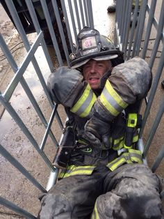 Behind the Scene Firefighter Pictures, Firefighter Quotes, Taylor Kinney, Bts Behind The Scene, Behind The Scenes, David Eigenberg, Chicago Crossover, Fire Bts, Chicago Fire Department