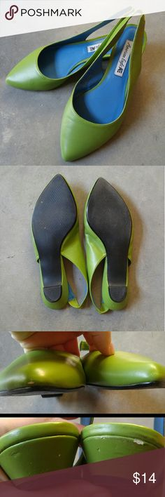 American Eagle Green Pointed Toe Slingback Flats American Eagle brand (not American Eagle Outfitters) size 8, in good used condition. These flats have a small kitten heel. Scuffs on tips and heels shown in 3rd photo. Elastic on slingback. Manmade materials. Size 8 but runs big (I'm size 8.5 and they fit). Vibrant green color makes this is a great statement shoe! Price reflects wear. Please ask any questions. No trades. Make a reasonable offer. Thanks! American Eagle by Payless Shoes Flats…