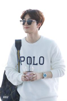 Suho [HQ] 190402 Incheon Airport, departing for Paris Kim Joon Myeon, Airport Style, Airport Fashion, Suho Exo, Incheon, Korean Outfits, Style Me, Kpop, Snowball