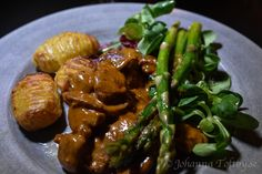 Världens godaste Fläskfilégryta - Johanna Toftby Lunch Recipes, Cooking Recipes, Pasta Salad With Tortellini, Come Dine With Me, Homemade Sauce, Chicken Seasoning, I Love Food, Food For Thought, Food Porn