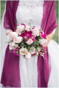 Sangria wedding shawl | pink and magenta wedding bouquet