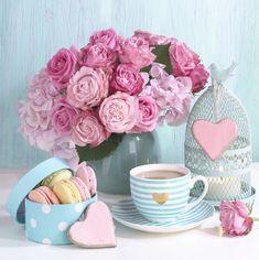 Leading Illustration & Publishing Agency based in London, New York & Marbella. Sunday Coffee, Coffee Love, Coffee Art, Beautiful Flower Arrangements, Floral Arrangements, Beautiful Flowers, Happy Birthday Flower, Shabby Chic, Pretty Ballerinas