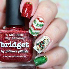 """Ana✨Nail Art-Tutorial-Swatches en Instagram: """"Hi loves!! ❤️❤️❤️ . I make another Christmas nails! I love a lot the result is very cute!!  for this design I use the following: -Vinyls from @snailvinyls  . -Christmas charm from @daily_charme   -Bridget and Hercynia from @picturepolish ❤️ .  . You like see the vid tutorial!? Happy Wednesday!! ❤️❤️❤"""