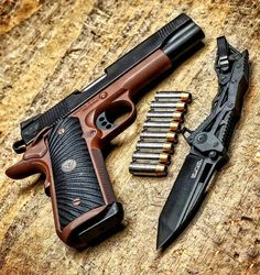 Got to love 1911s @metalhead_1 - Stay classy. Gorgeous @wilsoncombat CQB 10mm…