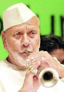 New Music Concert Stage Beautiful Ideas Bismillah Khan, Hindustani Classical Music, Indian Musical Instruments, Calming Pictures, Music Theme Birthday, Concert Stage, Music Festival Fashion, World Music, My Favorite Music