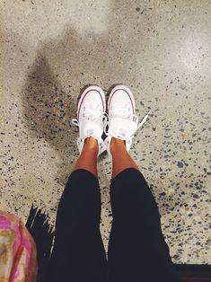 white convers, fashion, cloth, style, leggings and converse, short leg, leggings with converse, closet, tumblr converse