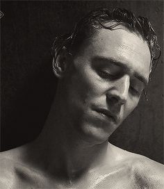 Tom Hiddleston in The Hollow Crown. Oh Thomas what art thou doing to me?!?!