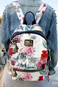 D'Dona from Street Style: Accessories Cute Mini Backpacks, Stylish Backpacks, Girl Backpacks, Floral Backpack, Backpack Purse, Jansport Backpack, My Bags, Purses And Bags, Fashion Bags
