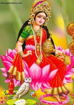 Goddess Lakshmi is closely linked to a goddess worshipped in Bali, i. Dewi Sri, as the goddess of fertility and agriculture Shiva Hindu, Krishna Art, Hindu Art, Radhe Krishna, Lakshmi Photos, Lakshmi Images, Diwali Pooja, Divine Mother, Goddess Lakshmi
