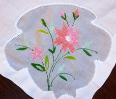 table napkins white with pink flowers 8 Vintage by BJsYesterday