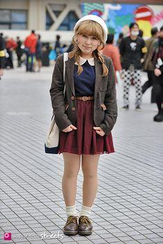 MAMI Shibuya, Tokyo AUTUMN 2012, GIRLS Kjeld Duits STUDENT, 20  Jacket – Double Closet Blouse – Forever21 Skirt – American Apparel Shoes – Dr.Martens
