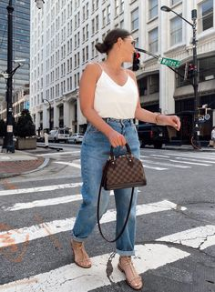Curvy Outfits, Chic Outfits, Plus Size Outfits, Girl Outfits, Fashion Outfits, Fashion Trends, Fashion 2020, Fashion Tips, White Summer Outfits