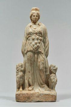 STATUETTE: PERGAMENISCHE KYBELE MIT WEIHUNG DES NEIKEPHOROS Griechisch, Hellenistisch (Pergamenisch) 2. Jh. v. Chr.