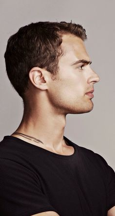 Tobias Eaton (Theo James) on Divergent.