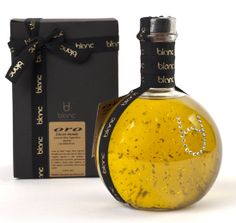 ORO on Packaging of the World - Creative Package Design Gallery Olive Oil Packaging, Bottle Packaging, Brand Packaging, Packaging Design, Olive Oil Price, Deo Bio, Olives, Olive Oil Bottles, Healthy Oils