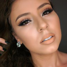 Love the light colored makeup against the full lashes; makes for a great contrast