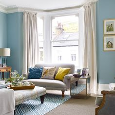 Take a look inside this charming Victorian terraced house – Livingroom WOW – Living Room Ideas Blue Living Room Decor, Living Room Decor Traditional, Living Room Color Schemes, Living Room Colors, New Living Room, Living Room Designs, Bay Window Living Room, Colour Schemes, Terraced House