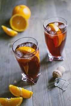 Negroni sbagliato: Il #Negroni #sbagliato è uno dei #cocktail alcolici più apprezzati e di maggiore successo. Sorseggialo in compagnia, assieme a tanti e buonissimi stuzzichini!