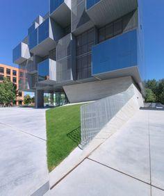 Facultad de Farmacia. Universidad Británica de Columbia, Vancouver Saucier+Perrotte Architectes y Hughes Condon Marler Architects.