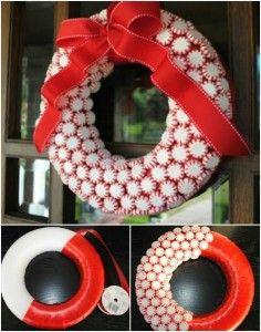 DIY Candy Wreath #diy #christmas #preparation #decoration #wreath #handmade