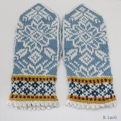 Ravelry: BladStjerner votter pattern by StrikkeBea Knit Mittens, Mitten Gloves, Knitting Charts, Knitting Patterns, Fair Isle Knitting, Ravelry, Projects, Inspiration, Design