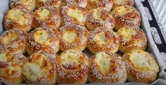 Greek Recipes, Pretzel Bites, Macaroni And Cheese, Muffin, Bread, Cooking, Breakfast, Ethnic Recipes, Food