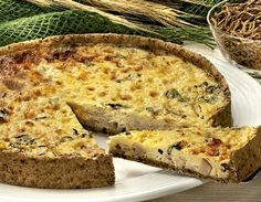 Receita de Quiche de peito de peru e queijo branco Receitas Light No Salt Recipes, Light Recipes, Quiches, Healthy Snacks, Healthy Recipes, Detox Recipes, Comidas Light, Menu Dieta, Savoury Baking