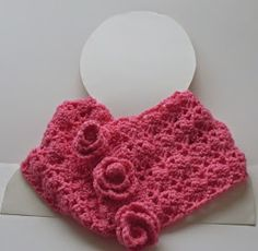 Aselle - a really easy and lovely lace crochet cowl -free pattern