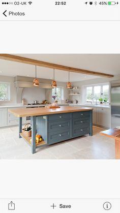 New shaker furniture plans islands Ideas Timber Kitchen, Barn Kitchen, Kitchen Benches, Kitchen Flooring, Kitchen Furniture, New Kitchen, Kitchen Decor, Kitchen Design, Shaker Furniture
