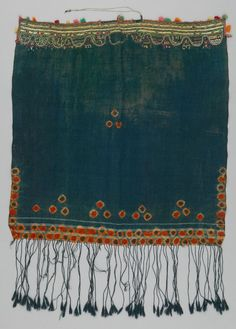 Africa | Shawl ~ tijara ~ from the Berber people living in Matmata, Gabès governorate, Tunisia | ca. 20th century | Wool, cotton and silk.