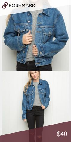 Brandy Melville denim jacket oversized I'm size medium and this fits like the model. Make an offer 😎 Brandy Melville Jackets & Coats Jean Jackets