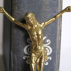 ON SALE vintage crucifix...    POVT by CoolVintage on Etsy, $20.75