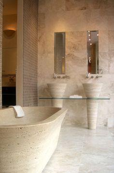 Travertine Bathroom, Concrete Bathroom, Minimalist Bathroom Design, Bathroom Interior Design, Bathroom Trends, Sweet Home, Bathtub, House Design, Architecture