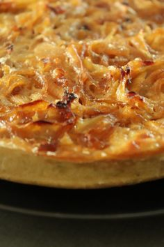 Tarte aux oignons Vegan - Recette Olivia Pâtisse Pepperoni, Vegan Recipes, Vegan Food, Macaroni And Cheese, Pizza, Healthy, Ethnic Recipes, Alternative, Vegetable Tart
