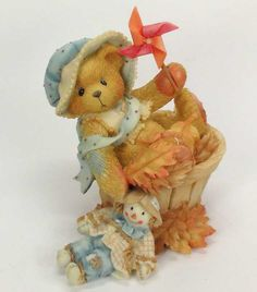 Heidi´s Cherished Teddies Galerie: PAT - Falling For You (141313) Polymer Project, Polymer Clay Crafts, Boyds Bears, Teddy Bears, Clay Bear, Charlie Bears, Fall Harvest, Autumn, Fall For You