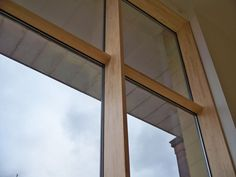 Windows Partition, Wood Facade, Wood Curtain, Window Design, Engineered Wood, Wood Wall, Foyer, Ramen, House Design