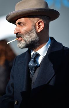 sprezzaturaeleganza:  Pitti 89 Photo: Simona Bertolotto