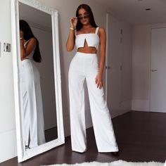 White pinstripe palazzo trousers in 2020 Look Fashion, Girl Fashion, Fashion Dresses, Fashion Black, Gothic Fashion, Vintage Fashion, Classy Outfits, Stylish Outfits, Stylish Dresses