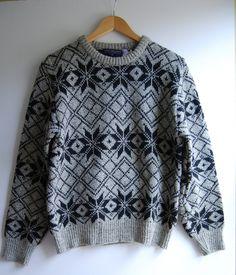 d76a27f18875e Men s Sweater Medium WOOL Nordic Design Vintage VAN HEUSEN Pullover Ski  Sweater by RandomAmazing on Etsy