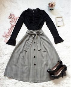 Summer is coming back, which implies a deluge of graduation ceremonies are too. To celebrate such a significant event for these students bidding their. Teen Fashion Outfits, Cute Fashion, Modest Fashion, Hijab Fashion, Fashion Dresses, Fashion Tips For Girls, Fashion Hacks, Classy Fashion, Men Fashion