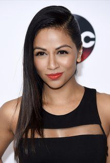 Karen David Picture Ouat Cast, Celebs, Celebrities, Drawing People, Once Upon A Time, Love Her, Daughter, David, Singer