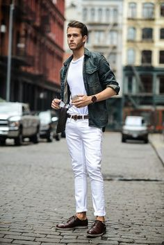 Looking for smart ways to wear White Denims? Look no further. We've curated 10 coolest ways you can wear white denim below.