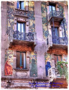 A sample of Art Nouveau in Milan. Province of Milan, Lombardy Architecture Art Nouveau, Art And Architecture, Architecture Details, Beautiful Buildings, Beautiful Places, Ville France, Belle Villa, Jolie Photo, Milan Italy