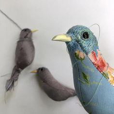 Working on new birds. . . . . . . #vanderwinkel #embroideryart #embroidery #bird #birdart #softsculpture #fiberart #fiber #textile… Textile Sculpture, Bird Sculpture, Soft Sculpture, Textile Art, Fabric Animals, Fabric Birds, Fabric Art, Ann Wood, Art And Craft Materials