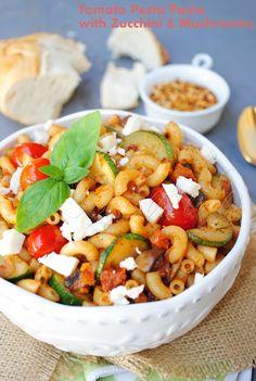 sun-dried tomato pesto pasta with zucchini and mushrooms