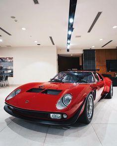 lamborghini classic cars drawings - My old classic car collection Maserati, Ferrari, Lamborghini Miura, Best Muscle Cars, Best Classic Cars, Exotic Cars, Sport Cars, Cars And Motorcycles, Luxury Cars