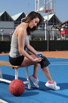 Vendaje elástico de rodilla idóneo para sujeción de bolsas de gel o electrodos. #ortopedia #deportes