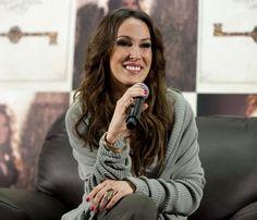 Malú promociona en México su nuevo dico y afirma que participará en la telenovela, 'Amores verdaderos' #cantantes #música #famosas